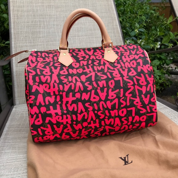 0f6aef8236fe Louis Vuitton Limited Edition Graffiti Speedy Tote